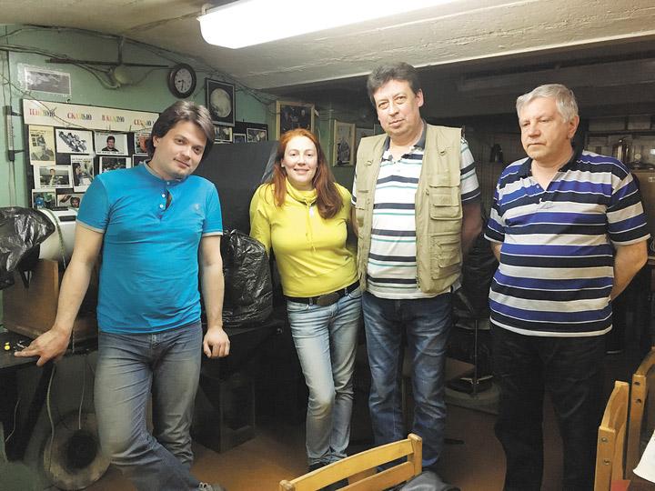 Участники Астрономо-геодезического объединения в историческом подвале